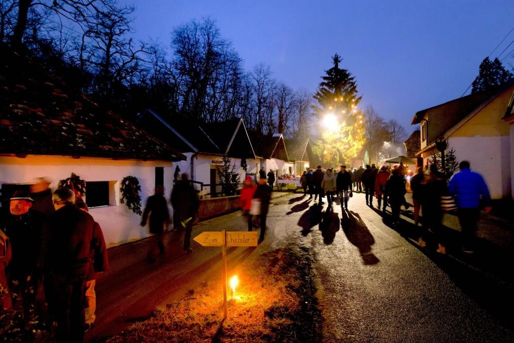 PR Bild Advent in der Weinviertler Kellergasse © Weinviertel Tourismus / Astrid Bartl