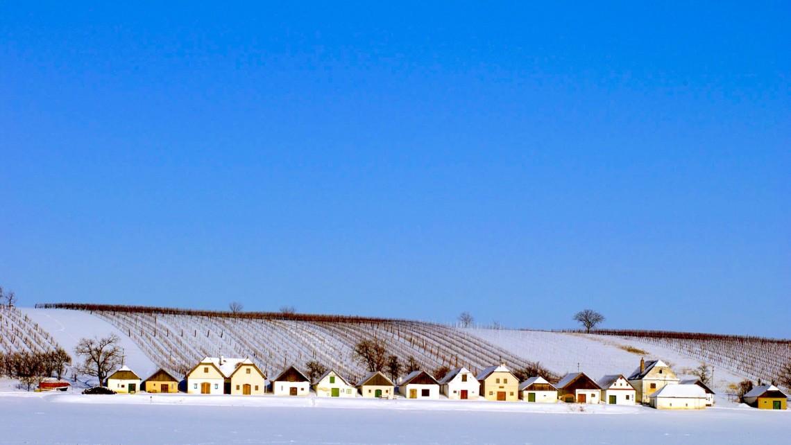 PR Bild Weinviertler Kellergasse im Winter © Weinviertel Tourismus / Mödl