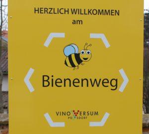 PR Bild Vino Versum 3. Weinviertla.Kölla.Mess Bienentafel © Vino Versum