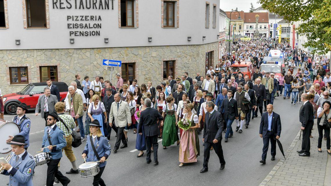 PR Bild Vino Versum Poysdorf Tourismus Bezirkswinzerfest © Herbst