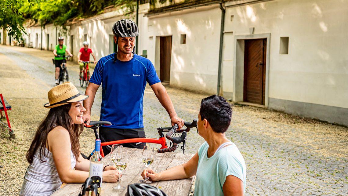 PR-Bild Vino Versum Poysdorf Tourismus Radfahren in Poysdorf © Robert Herbst