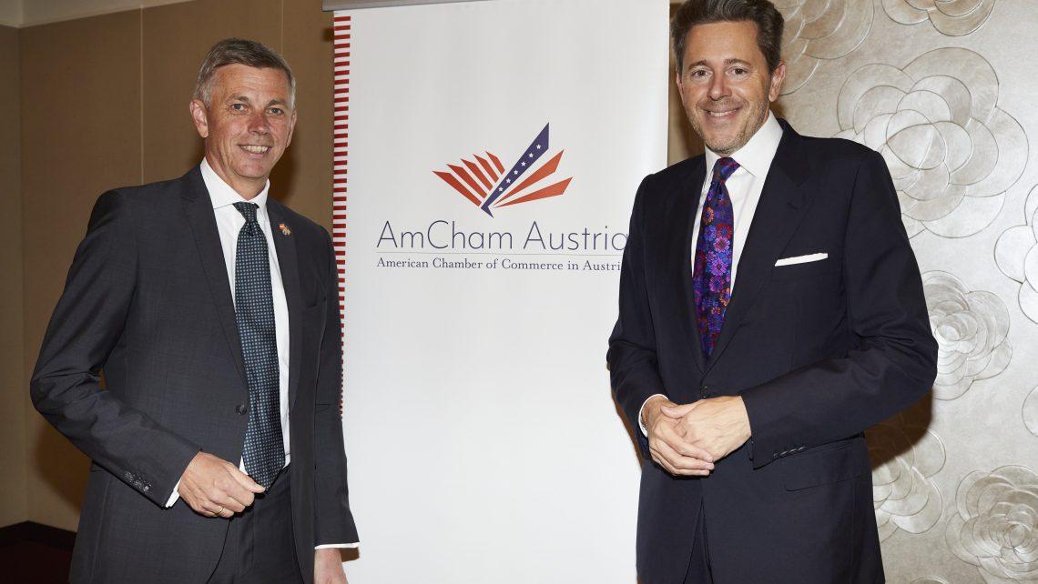 AmCham Business Luncheon mit Dr. Harald Mahrer. Dr. Harald Mahrer, Präsident der Wirtschaftskammer Österreich, Dipl.-Ing. Martin Winkler, Präsident der AmCham Austria